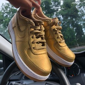 Nike Air Force 1 Low Mentallic Gold
